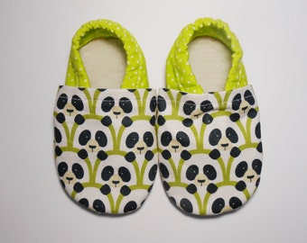 Baby slippers, Soft baby's shoes, Baby Shoes, hand made moccasins, Size US: 0-6
