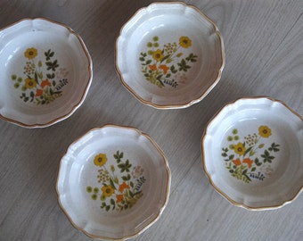 Mikasa Garden Club Fresh Floral EC 404 Set of 4 Bowls