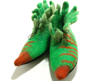 Felted elf shoes green and red striped