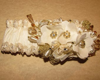 Elastic Vintage baby girl headband with crystal beads and flowers