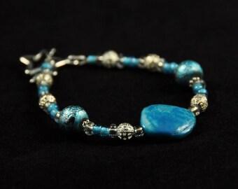 Aqua Shell and Glass Bead Bracelet