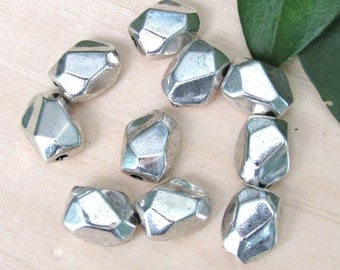 Faceted metal beads, set of 10, Spacer beads, silver tube beads, faceted silver beads, silver spacers, tube beads, bracelet beads
