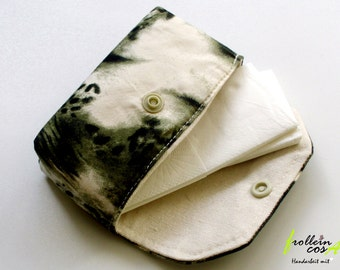"Tissue case ""Wild green"" by frollein cosa"