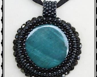 "Anhänger ""Carla"" - Bead embroidery (Perlenstickerei)"