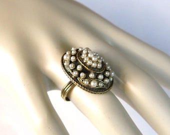 Vintage Florenza renaissance Revival Glass Faux Pearl Ring