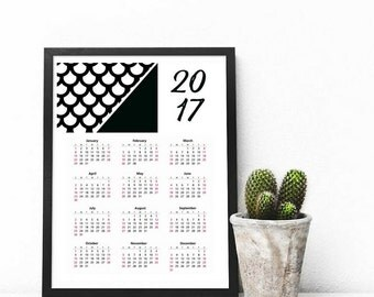 Printable 2017 Wall Calendar, 8.5x11 in, Desk Calendar, Instant Download, Black and White Mermaid Scales Skin, Printable
