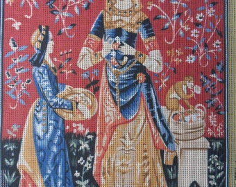 "Margot of France Tapestry Canvas with 30 Skeins of Wool ""Dame A La Licorne - L'Odorat"""
