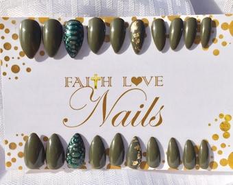 Snakeskin Nails   Olive Green Nails  Resuable Nails   Textured Nails   Snake Skin Nailart   Press On Stilleto Nails   Hand Painted Nail Art