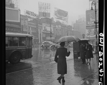 Old New York Photo, Black and White Photography, New York Fine Art Print, Times Square on A Rainy Day 1943