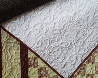 Little Chick Print Baby Quilt