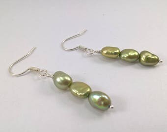 Pearl earrings, Green pearl earrings, cultured pearl earrings, silver plated earrings, pearl silver plated earrings, earrings, pearls,