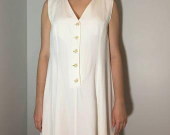 Long White Dress - Vintage clothing