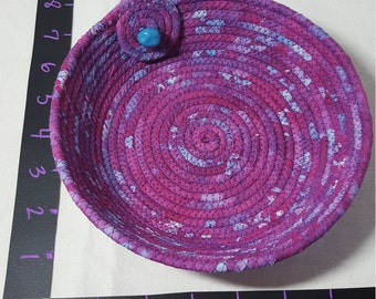 Fabric coil bowl- dk pink verigated