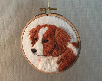 Felted dog 2D, needle felting on hoop, Brittany spaniel picture