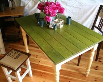 "Kitchen table ""Vanilla and cricket"" in oak"