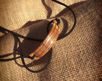 "Multi-purpose jewelry (necklace and Bracelet style ""choker"") in curved wood and inlay of money"