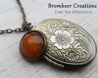 Medallion necklace with pendant honey, Medallion chain honey, necklace medallion, necklace vintage medallion