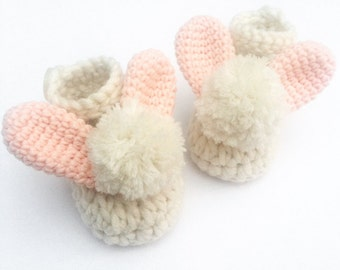 Crochet baby shoes, Easter baby gift, Baby booties, New baby gift, Baby shower present, Baby girl gift, Photo prop, Pom pom baby shoes