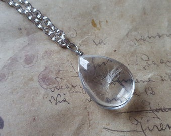 Glass drop chain with dandelion flowers seeds