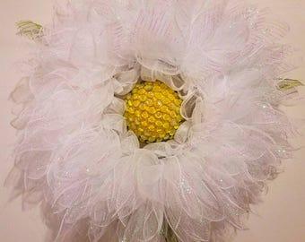 Daisy wreath BEAUTIFUL!
