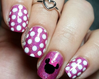 Mouse Head with Bow Nail Decal