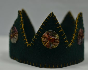 Green and Gold Child's Wool Crown