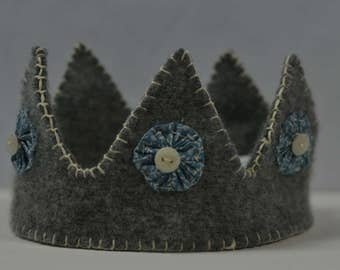 Blue and Gray Wool Crown