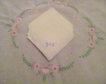Beautiful Custom Made Tablecloth with 8  Matching Napkins Needle Point Floral Design on Ivory