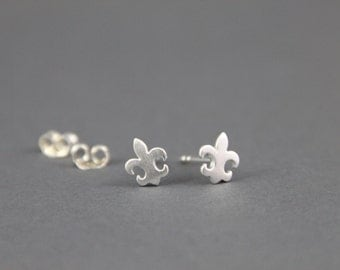 Lily earrings sterling silver