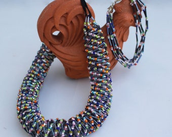 Propeller, DNA-chain necklace with multicolor beaded pivette gray and