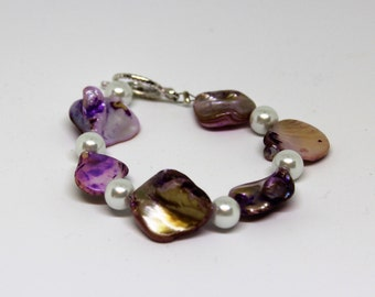 Purple Natural Shell Beaded Bracelet with Silver Toggle Claps and White Plastic Pearl Beads - Perfect for Any Jewelry Collection