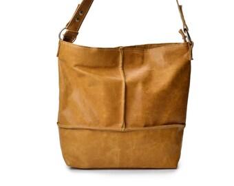 Handmade Leather shoulder bag cognac