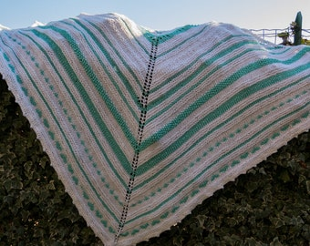 Green and white cotton and wool shawl