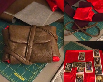 Last Crusade Tarot Card Wallet with sewn-in spread surface