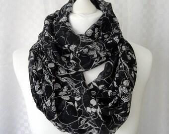 Skull print infinity scarf, Circle scarf, Skull scarf, Print scarf, Scarf for her, Lightweight scarf, Fashion scarf