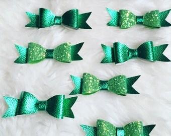 Apple Green Smiles Glitter Metallics Bow