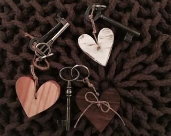 Heart Key Chain / Wood Keychain / Heart Key Ring / Oak Wood Key Chain / Walnut Key Chain / Wood Key Ring / Heart Key Fob / Wood Key Fob