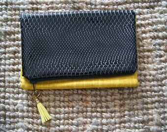 BI-material reversible pouch