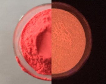 PINK  Glow  in  the Dark  Pigment Powder