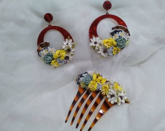 Earrings and combs in imitation Carey acetate decorated, flowers of different colors and topped with fans. Flemish. Valentine's Day Gift