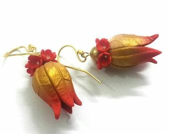 Flower pod jhumka
