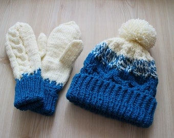 Set of hat and mittens