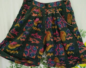 SALE!! colourful 80's high-waisted shorts -- small