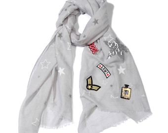 Grey cloth patches, handkerchief patches, scarf, scarf scarf casual style, casual scarf, chic scarf, patches, grey scarf