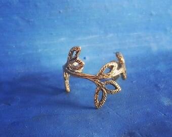 Toe Ring Brass Leaves / Knuckle Ring Brass / Dreadlock Ring / Bague d 'orteil / Bague de Phalange / Bague de dread