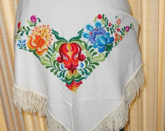 Embroidered white woolen shawl - woman's wool shawl - embroidered shawl - flowered shawl - triangle shawl
