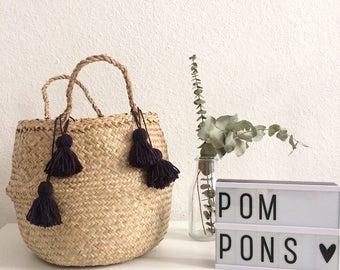 Basket Thais with marine blue PomPoms
