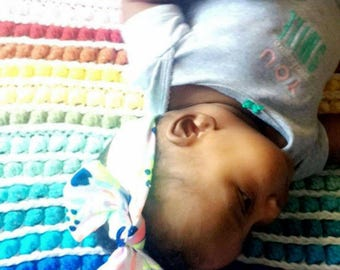 Rainbow bubble baby blanket