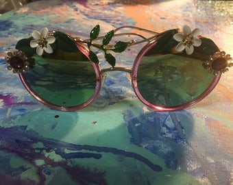 Classic Round Floral Pink Sunglasses