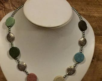 Magnetic pastel necklace